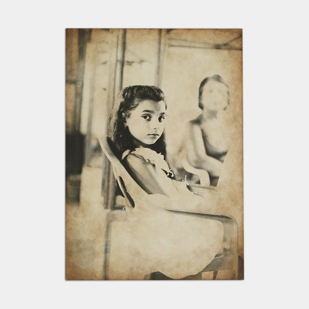 ジプシーの少女の写真(正面)
